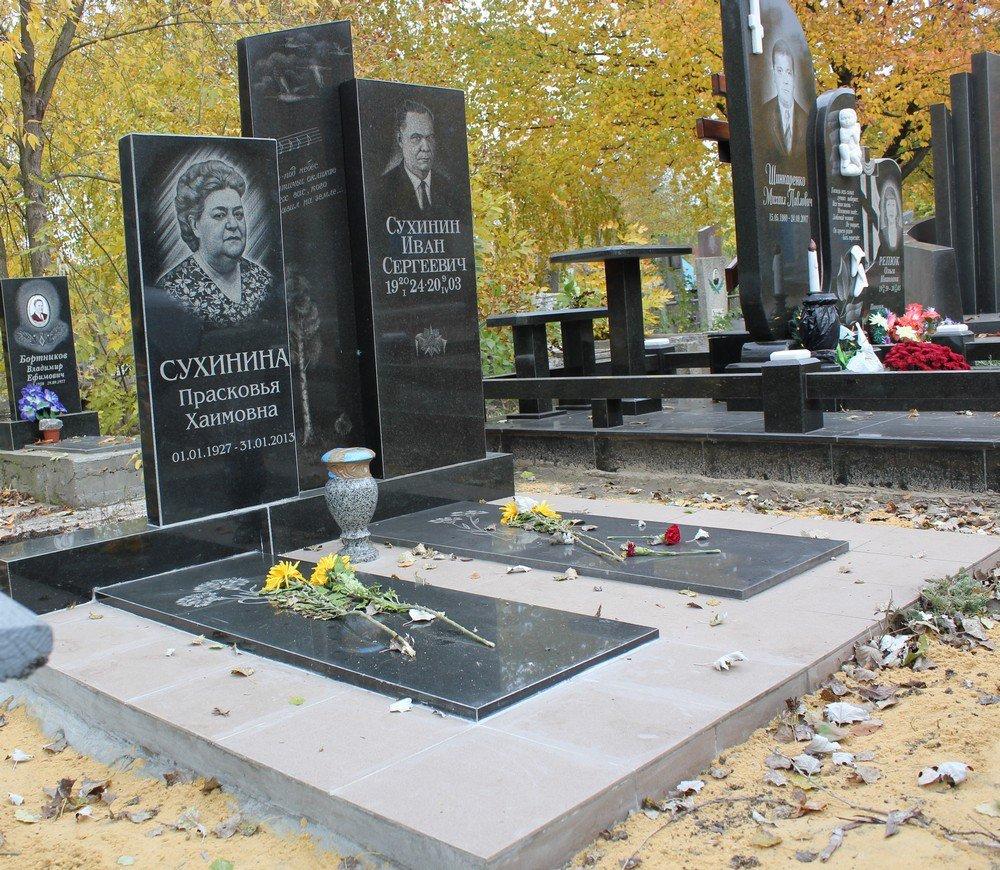 Памятник с крестом на просвет Рубцовск